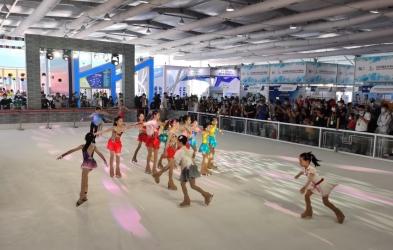 福州造新型运动冰场  亮相国际冬季运动(北京)博览会