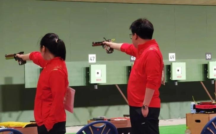 庞伟、姜冉馨夺下奥运第七金 教练是咱福建人!