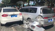 突发!福州仓山某超市前发生多车事故!